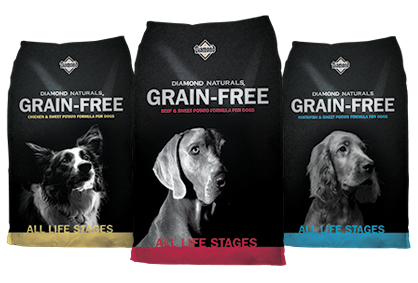 Diamond Naturals Grain Feed Dog Food available at Farmer's Coop