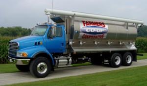 Bulk feed Truck