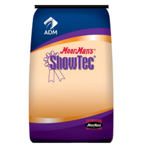 MoorMan's ShowTec Finisher Paylean. Blue and orange feed bag. Show feed.