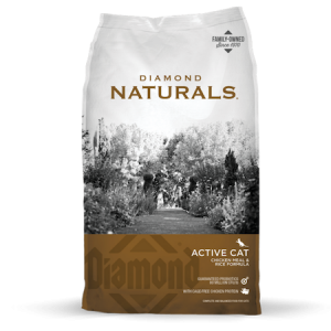 Diamond Natural Active Chicken Meal & Rice Formula. Brown and grey dry cat food bag.