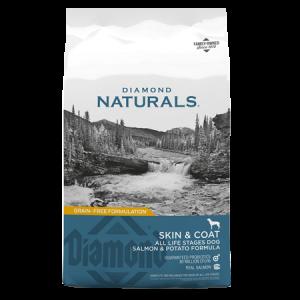 Diamond Naturals Skin & Coat All Life Stage Dry Dog Food. Teal dog food bag.